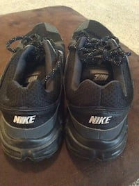 Black Nike running shoes (size 10.5) Madison, 35758