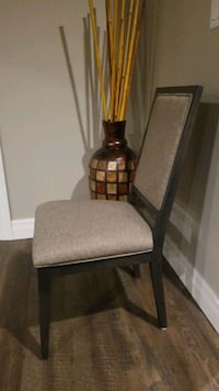 Dining chairs ( 4)
