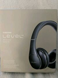 New Samsung Wireless Headphones Toronto, M3J