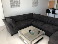 Sectional Sofa null