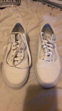 Have a pair of old skool vans pretty much brand new only wore once just don't want them anymore  Modesto, 95351