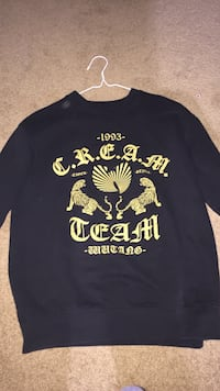 Wutang Sweater. Size Men's Small Welland, L3C 7K3
