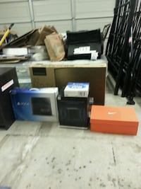 PS4 console and games, HDTV, PSVITA, and Speakers. Modesto, 95356
