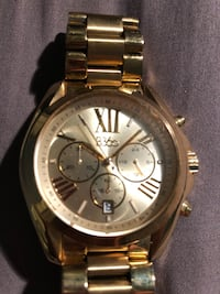 round gold Michael Kors chronograph watch with link bracelet Whitby, L1P 1N5