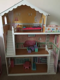 Barbie Doll House-Includes Furniture Reston, 20190