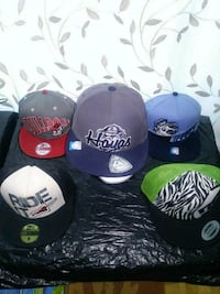 SNAPBACKS/HATS/6 TOTAL/5-10$/VERY CLEAN/BRAND NEW/ Châteauguay