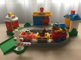 Fisher-Price Little People Pop 'n Surprise Train - playset