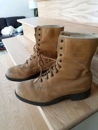 pair of brown leather work boots Pointe-Claire, H9R 3Z8