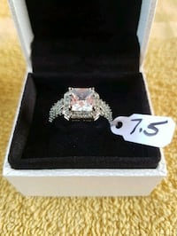 Beautiful  Lia  Sophia  princess  cut  ring  Whitby, L1N 8X2