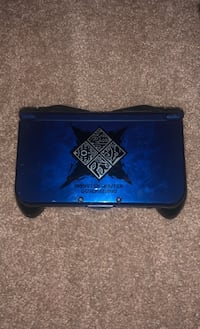 Monster hunter generations Nintendo 3DS XL WITH games, charger, and case Havertown, 19083