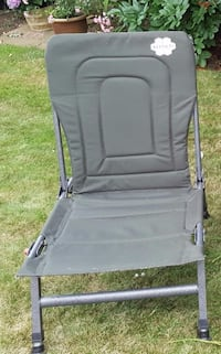 gray and black folding chair