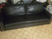 Pleather couch amazing condition London, N6G 4W4