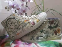 """Gucci high top sneakers """"love is blind"""" Edmonton, T5W 4L7"""
