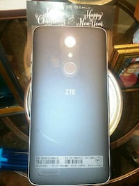 gray ZTE android smartphone