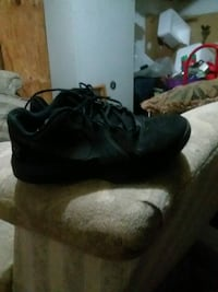 pair of black Nike basketball shoes Frederick, 21703