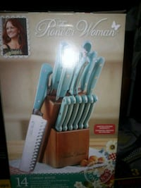 The Pioneer Woman knife set Albuquerque, 87105