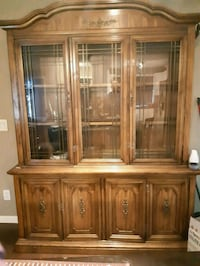 Antique China cabinet/ negotiable Kelowna, V1X 1V4