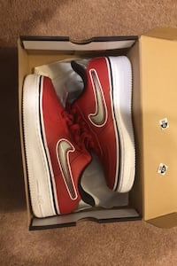 Never worn Nike low Air Force 1s