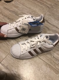 Adidas brand new sneakers size 7  Laval, H7T