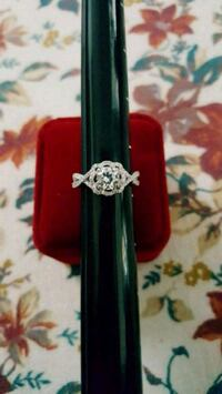 Sterling silver engagement wedding promise ring  Federal Way, 98003