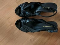 pair of black leather open-toe sandals Kingston, K7K 4A9