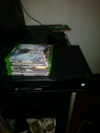Xbox one with games and controller Lakeland, 33809
