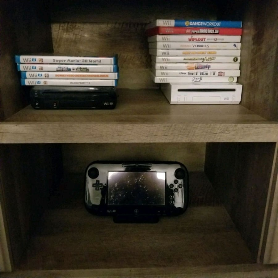 WII and WII U plus games and 4 controllers