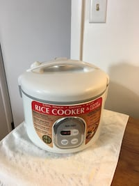Digital Rice Cooker and food steamed cool touch , multiple function cooks rice , steams meats and veggies Elizabeth, 07208