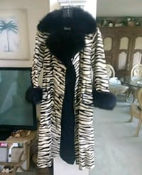 Real Fox and fur coat  size XS. or S Carol Stream, 60188