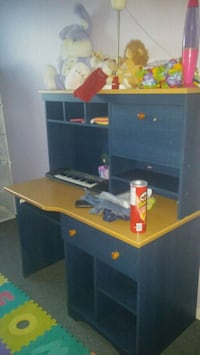 brown and blue wooden desk Laval, H7G 4S9