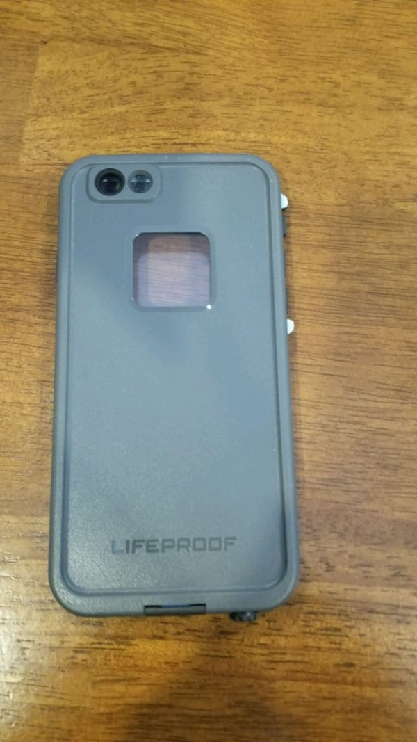 Lifeproof case like new for iphone 6 5b807545-d381-42ac-82ee-befd013b97db