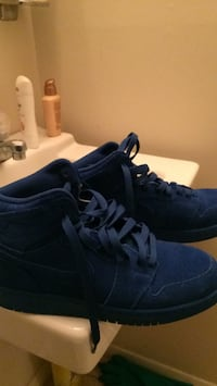Pair of Royal blue nike Suede Columbia, 21045