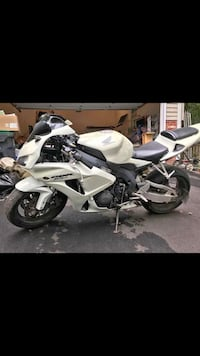 white and black sports bike Chantilly