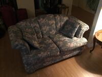 gray and white floral loveseat 798 km
