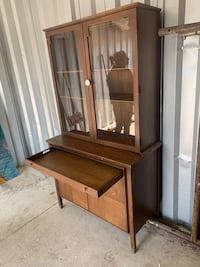 Hutch with serving tray drawer