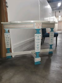 Venetian finished look wooden TV stand