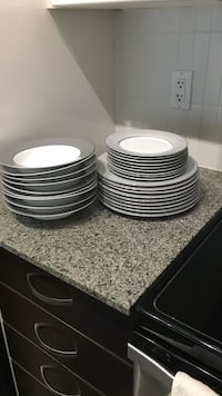 27 pieces dinner sets for $28 Surrey, V3T 0G2