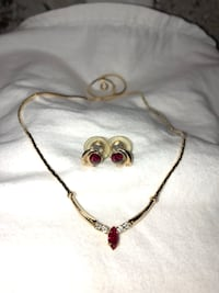 gold-colored necklace with heart pendant Virginia Beach, 23454