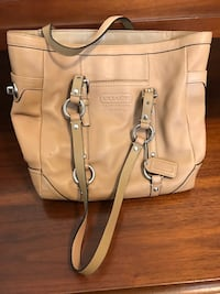 Coach leather purse Hanahan, 29410