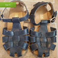 pair of black-and-brown sandals Roslin, K0K 2Y0