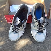 New Balance men's trainers  Collingwood, L9Y 3Y5