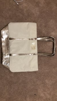 Victoria secret bag  Linganore, 21774