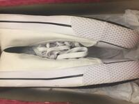 pair of white Nike low-top sneakers Sacramento, 95842
