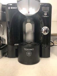 Tassimo machine with pod stand Montréal, H1P 1S9