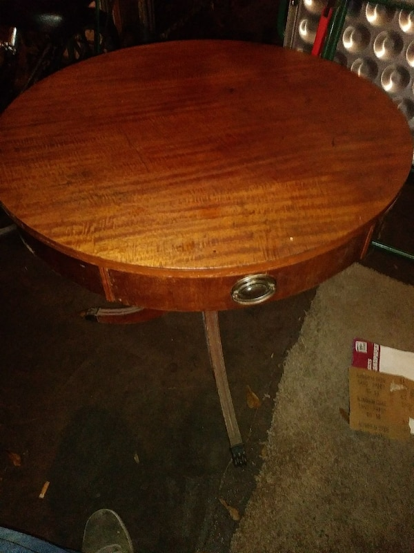 Duncan Phyfe Round Table With Drawer.Duncan Phyfe Antique Side Table