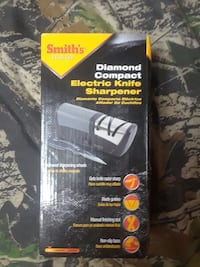 Smith's diamond compact electric knife sharpener