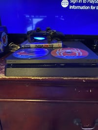 PS4 1TB one Controller
