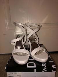 womens size 10 white heel, worn once Woodbridge, 22191