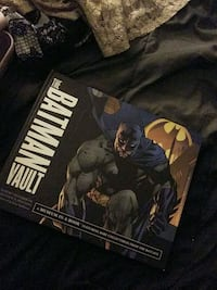 The batman vault book Gilbert, 85234