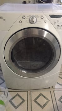 Whirlpool dryer in good working condition  Lachine, H8S 1M4